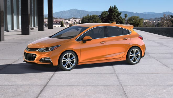 The 2017 Cruze Hatch offers the design, engineering and technological advances of the 2016 Cruze sedan in a functional, sporty package with added cargo space.