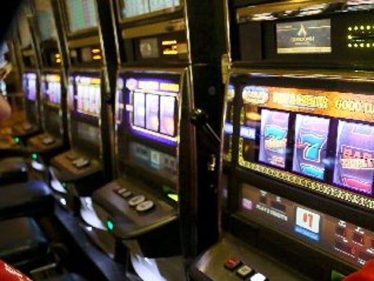 635702150580861966-dfp-casino-revenues-1-1-7Q9SUF6Q-L560969965
