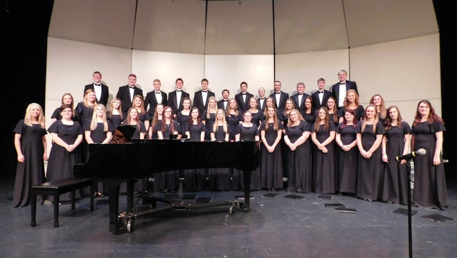 The Clipper City Chordsmen will present their annual Christmas show in the Endries Performance Hall Franciscan Center for Music Education and Performance on the campus of Silver Lake College on Saturday, Dec. 12, at 7 p.m.