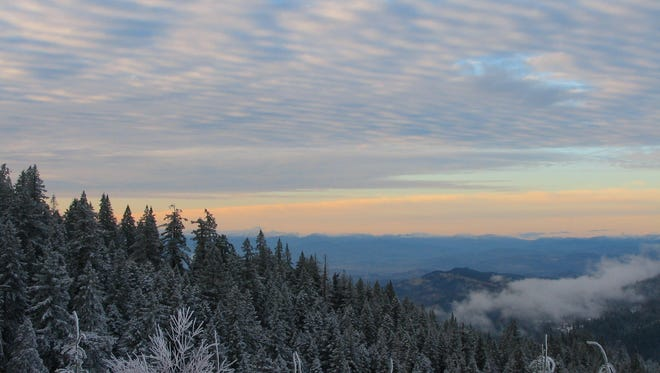 Pictures of Grizzly Peak near Ashland, in the Cascade Siskiyou National Monument.