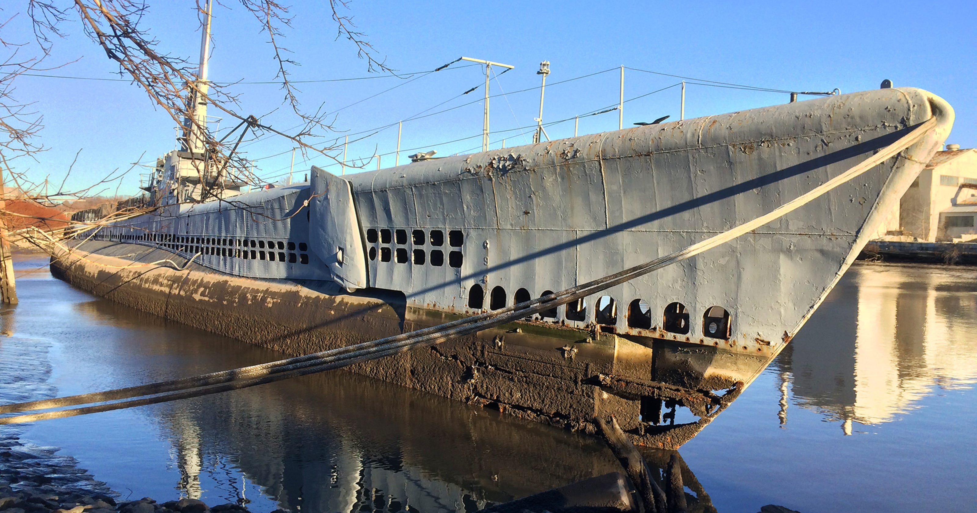 Weird NJ: Submarine Ling remains stuck in the muck