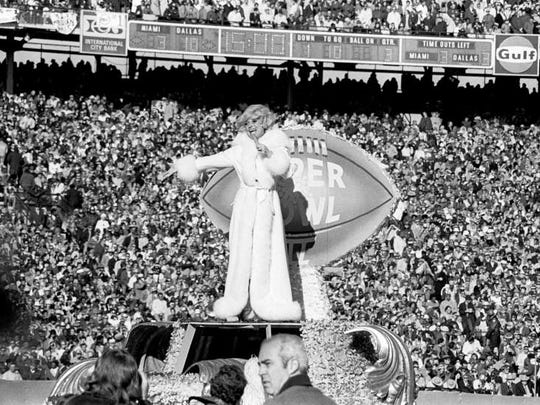 Super Bowl VI: Entertainer Carol Channing performs at halftime of Super Bowl VI between the Dallas Cowboys and Miami Dolphins at the Tulane Stadium. The Cowboys defeated the Dolphins to win their first Super Bowl title 24-3. Halftime entertainment included Channing, Ella Fitzgerald, Al Hirt and the USMC Drill Team, and the theme was Salute to Louis Armstrong.