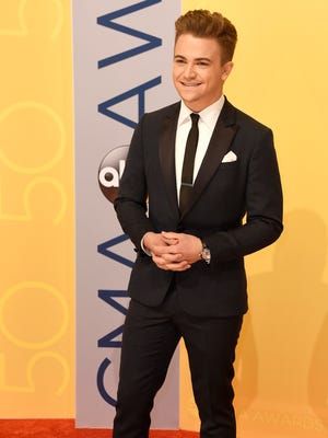 Hunter Hayes arrives on the red carpet at the 2016 CMA Awards  Wednesday, Nov. 2, 2016, in Nashville, Tenn.