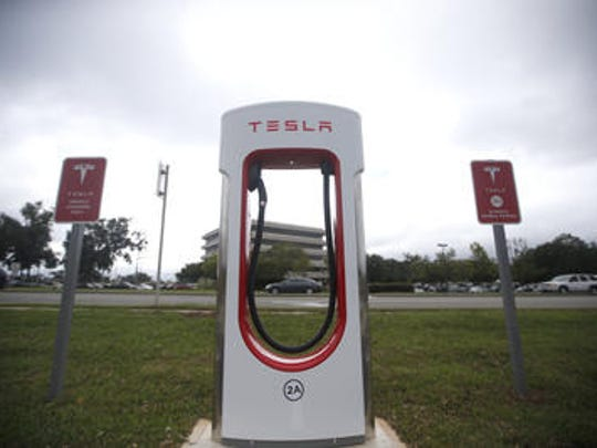 New Tesla charging station are now operating in Tallahassee in the Village Commons Shopping Center on Thomasville Road.