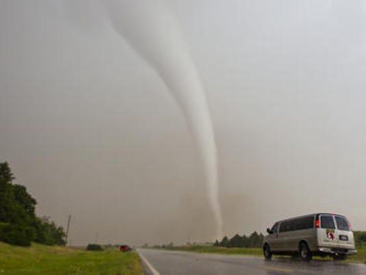 635834442085772247-Tornado