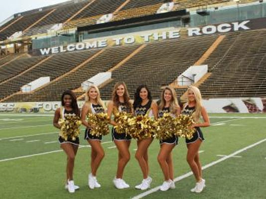 636044454040535383-Saintsations-201.jpg