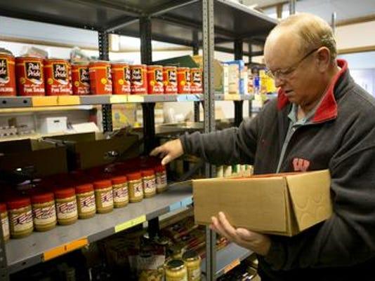 636154169231103860-stock-the-shelves.jpg