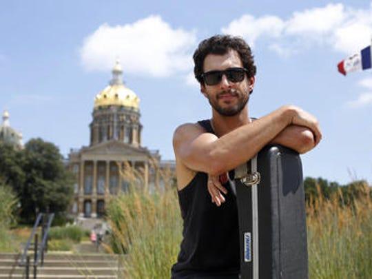 Singer-songwriter Dan Tedesco.