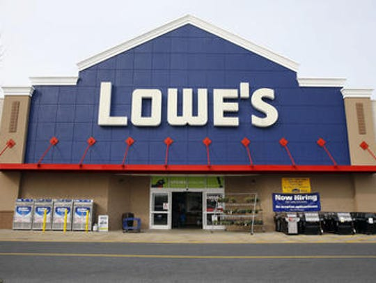 Lowe's offers a discount to active military personnel and veterans every day.