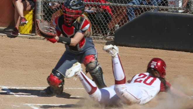 Oklahoma plays Louisville in the Mary Nutter Collegiate Softball Classic in Cathedral City, February 23, 2017.
