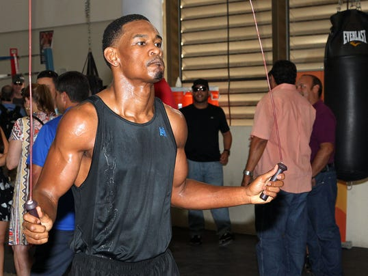 Daniel Jacobs jumps rope