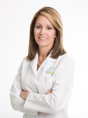 Dr. Amy Simon is a Board Certified Plastic Surgeon working for Clevens Face and Body Specialists in Melbourne.