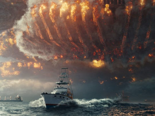"""Judd Hirsch's boat flees the giant alien spaceship in """"Independence Day: Resurgence."""""""