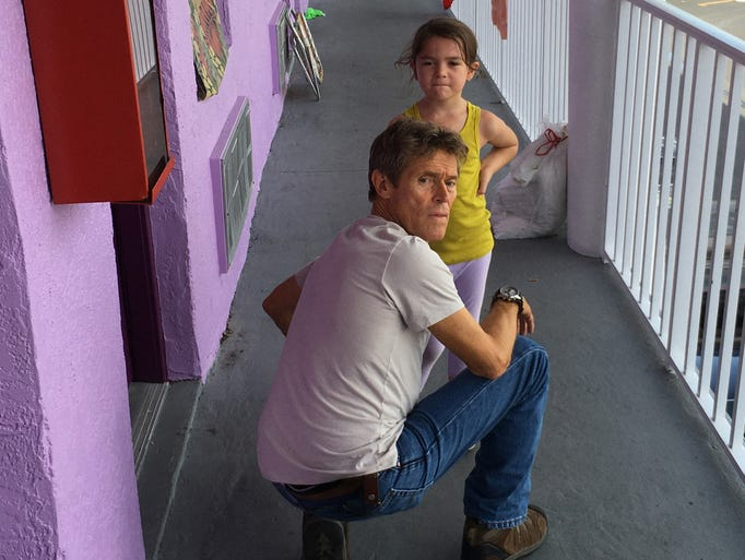 Willem Dafoe forms an unlikely bond with a girl (Brooklynn