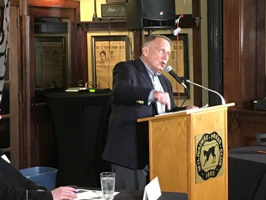 Schreiber speaks on Alzheimers