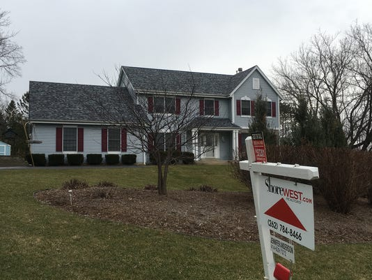 636276780846690653-Home-for-sale-Brookfield-March-2017.jpg
