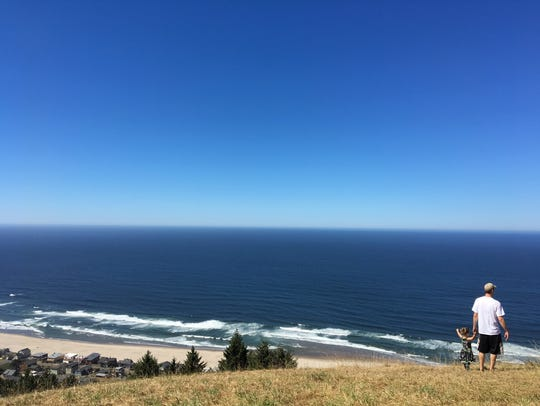 The meadowed top of The Knoll in Lincoln City.