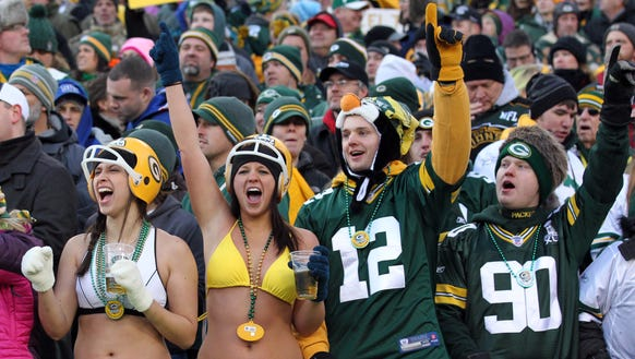 football-fans-green-bay
