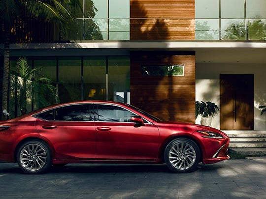 The 2019 Lexus ES 350 Ultra Luxury (Lexus)