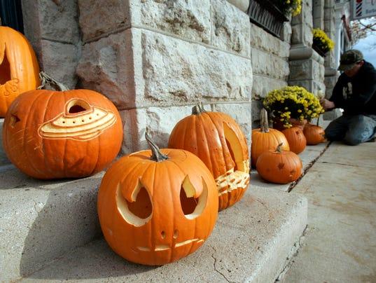 Pumpkin-Walk-File-Photo