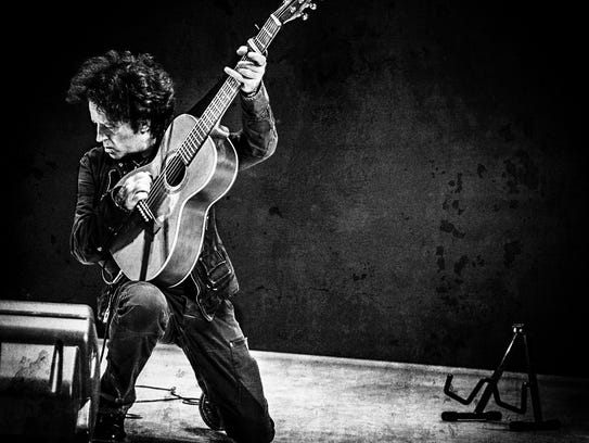 Underappreciated great Willie Nile pays tribute to