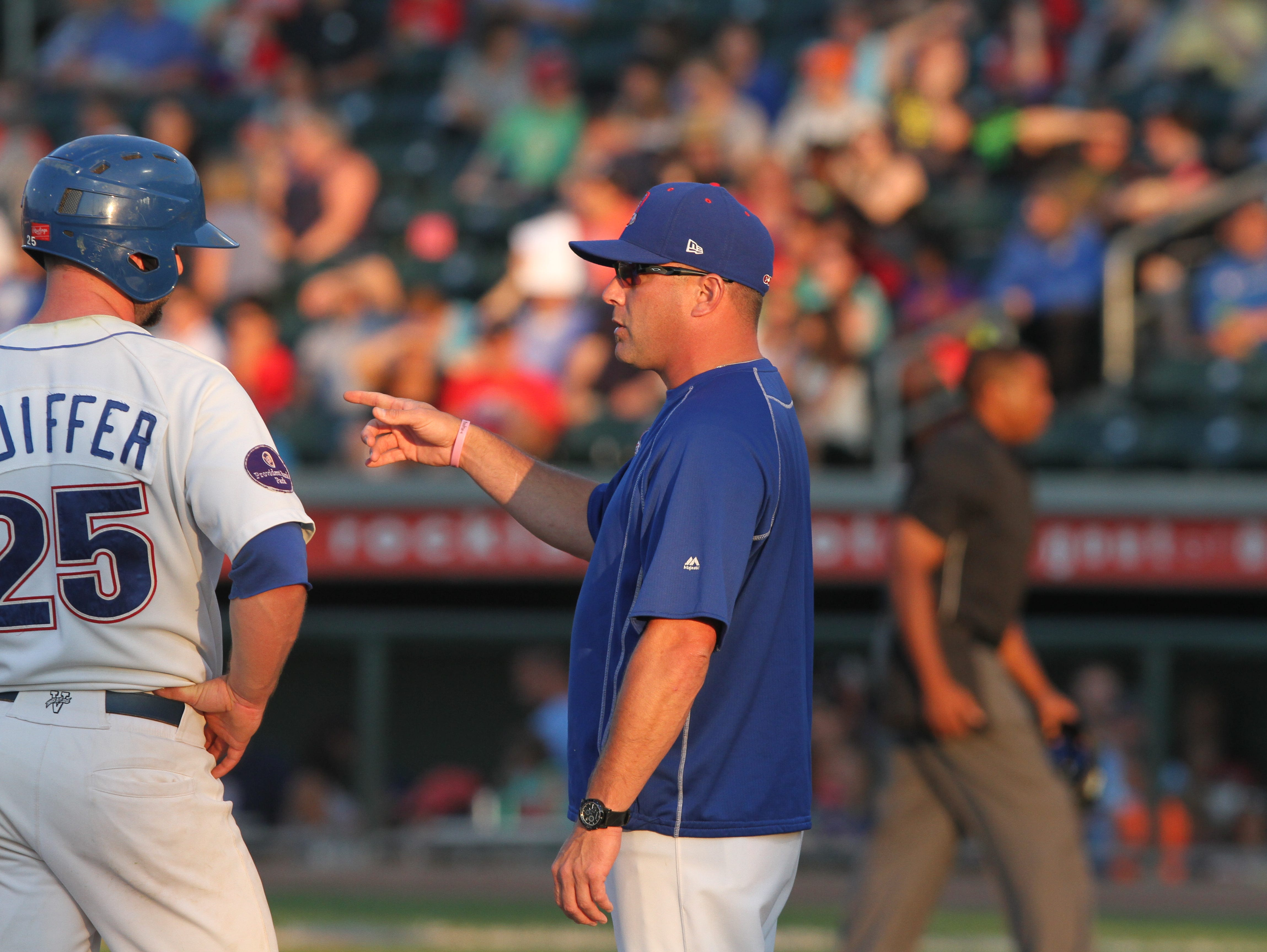 Rockland Boulders manager Jamie Keefe talks to catcher Marcus Nidiffer during a game against the New Jersey Jackals at Provident Bank Park July 16, 2015.