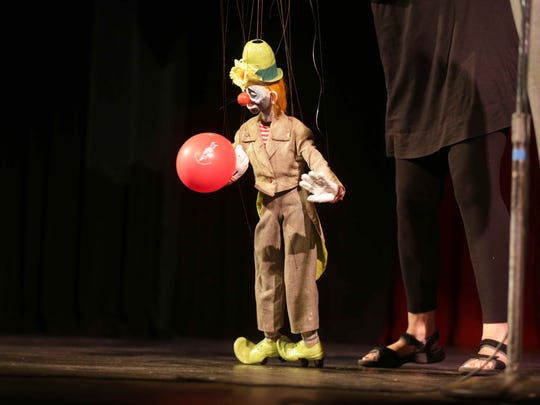Cabaret of Puppetry, by Peewinkles Puppet Studio. The Athenaeum theatre hosted 2 min preview performances by 2015 Indy Fringe Festival performers, Wednesday August 12th, 2015.