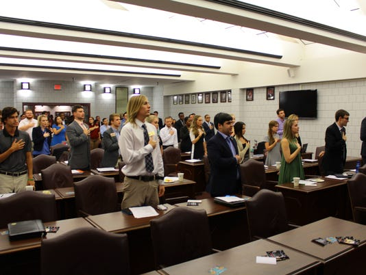 635805233642829601-FSV-Student-Senate-Meeting-CC-101415-8456