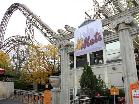 Six Flags Great America lost a bet with Six Flags Great Adventure over the 2015 NLCS, and renamed itself Six Flags Great Mets and its roller coaster Goliath, seen here, as GoMets.