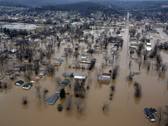 635876946870121250-Midwest-Flooding-Poll-Shie.jpg