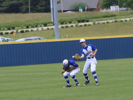 Clarksville Academy barely hangs on to a fly ball during