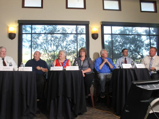 All seven Mesquite City Council candidates attended a forum on Wednesday night at Wolf Creek Golf Club.