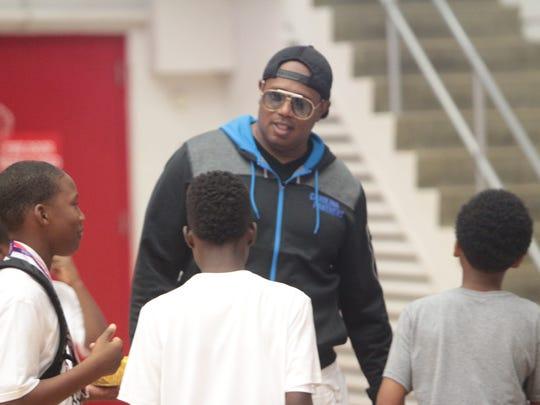 Hip Hop legend Master P entertains kids just before