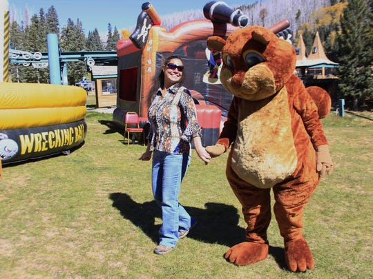 Ski Apache proves to be a great place to make new friends.