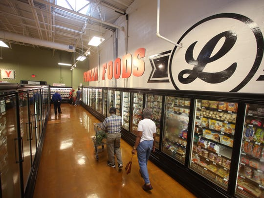 Lucky's Market, a Colorado-based organic grocer, has opened a new Tallahassee store in the College Square Shopping Plaza on Ocala Road.
