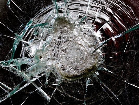 #stockphoto - accident - broken windshield2