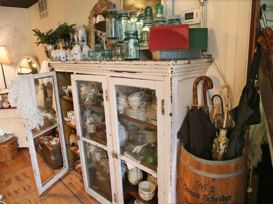 Find vintage glasses, China and umbrellas at Merci