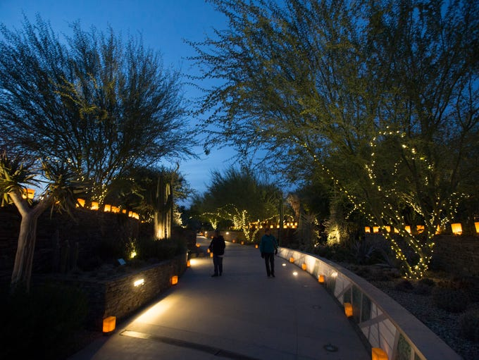 Las Noches de Las Luminarias at the Desert Botanical