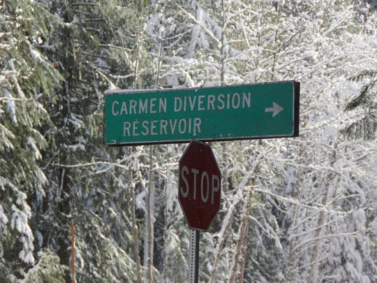 Forest Service Road 750 leads to Carmen Reservoir and can be used to access the waterfall loop in winter.