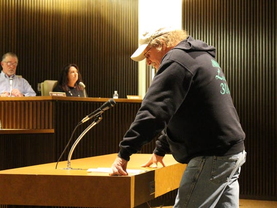 Dan Mapes, president of Mansfield's AFSCME chapter, speaks before Mansfield City Council on Tuesday, March 21, 2017.