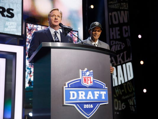 Roger Goodell, Willie Brown
