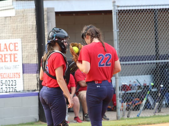 Henry County faces Kenwood in a softball game Thursday.