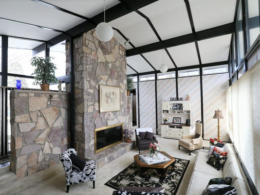 athome30-living room