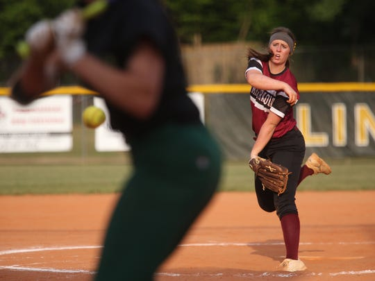 ChilesÕ Erin O'Leary pitches a shutout against Lincoln