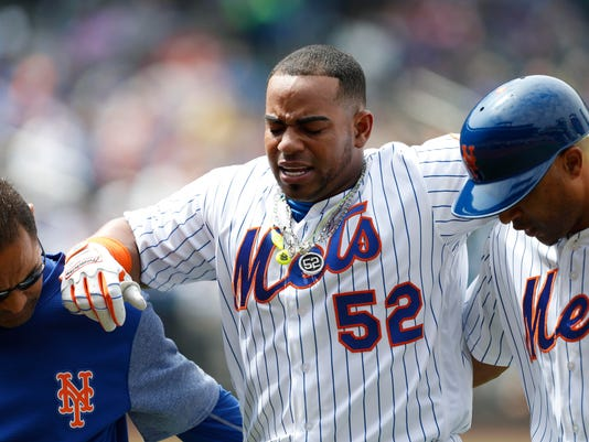 best service 8f0e0 6478b Mets' Yoenis Cespedes takes batting practice in Florida