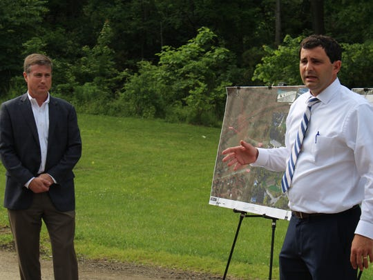 City engineer Bob Bianchi discusses a project that