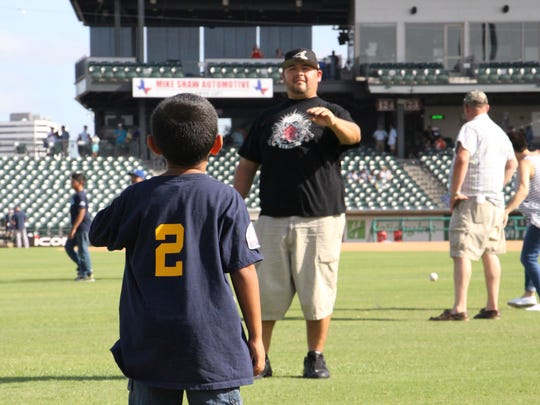 The Corpus Christi Hooks celebrated Father's Day with a Faith and Family Night on Sunday, June 18, 2017, allowing fathers and their kids come out onto the field to play catch at Whataburger Field.