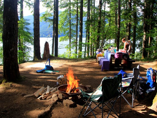 A campsite at Southshore Campground at Detroit Lake.