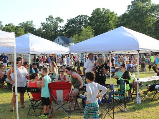 Swedesboro hosts Food Truck Thursday at Auction Park.