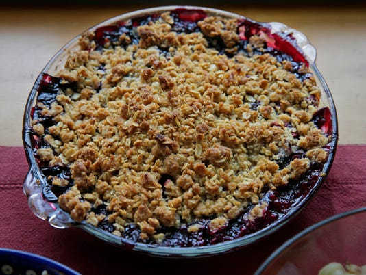 GATHER20-summer berry crisp
